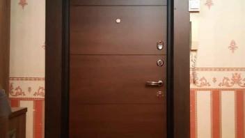 Фото установленной входной двери №1