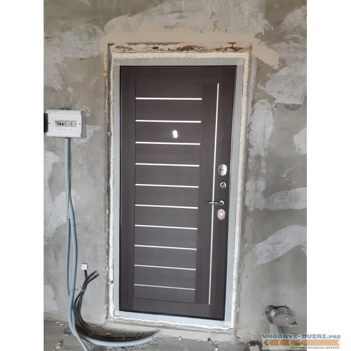 Входная металлическая дверь АСД Соло Экошпон цвет Орех рифленый