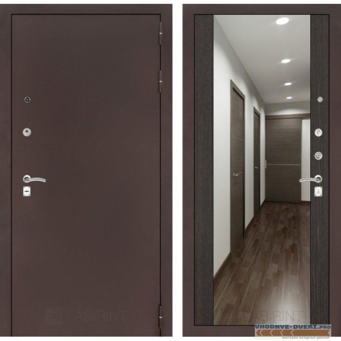 Входная дверь Лабиринт CLASSIC антик медный с Зеркалом Максимум - Венге