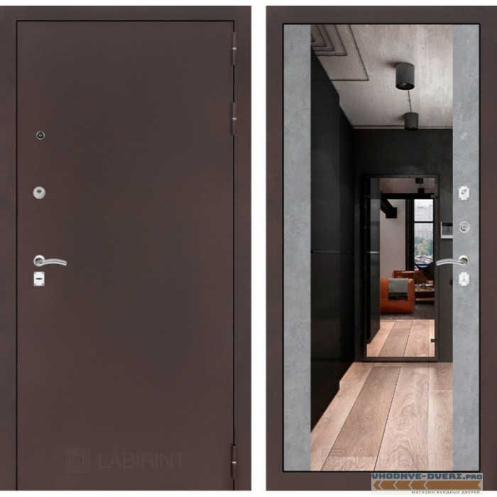 Входная дверь Лабиринт CLASSIC антик медный с Зеркалом Максимум - Бетон светлый